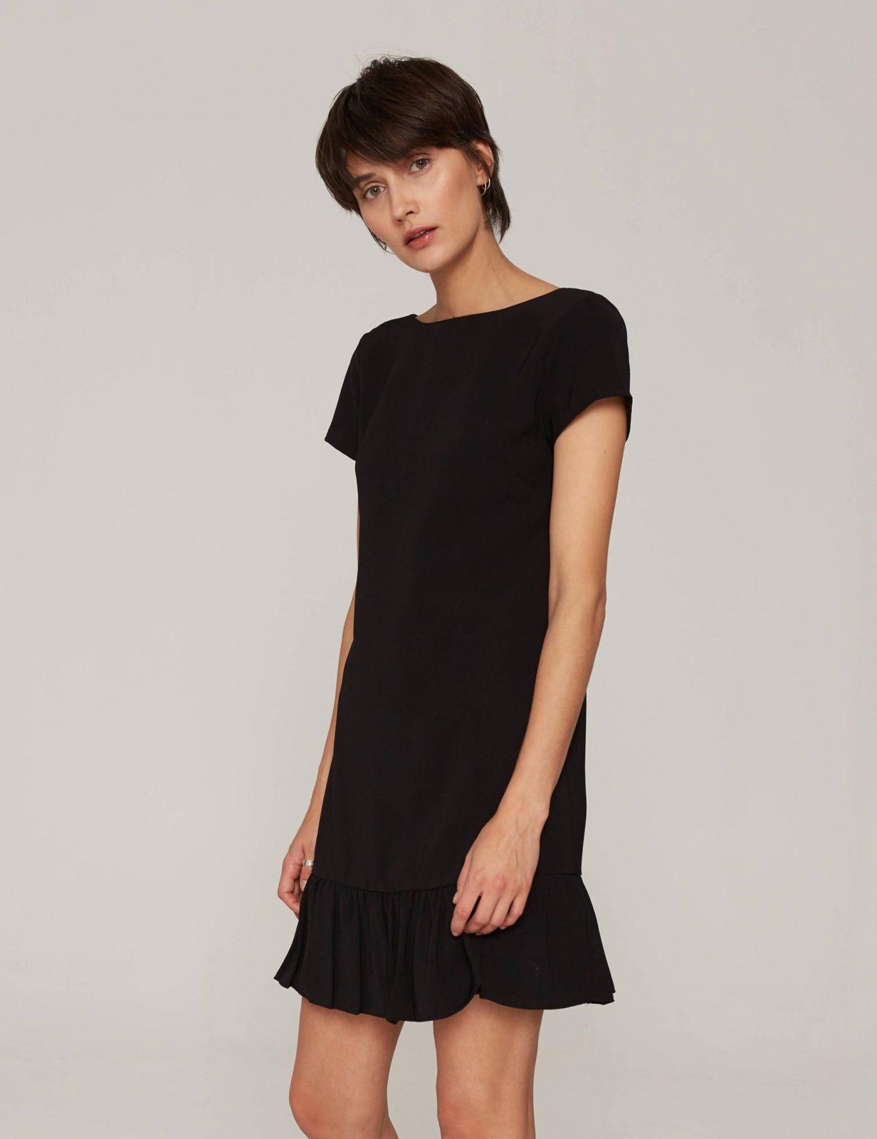 sukienka-z-dekoltem-v-czarna-06
