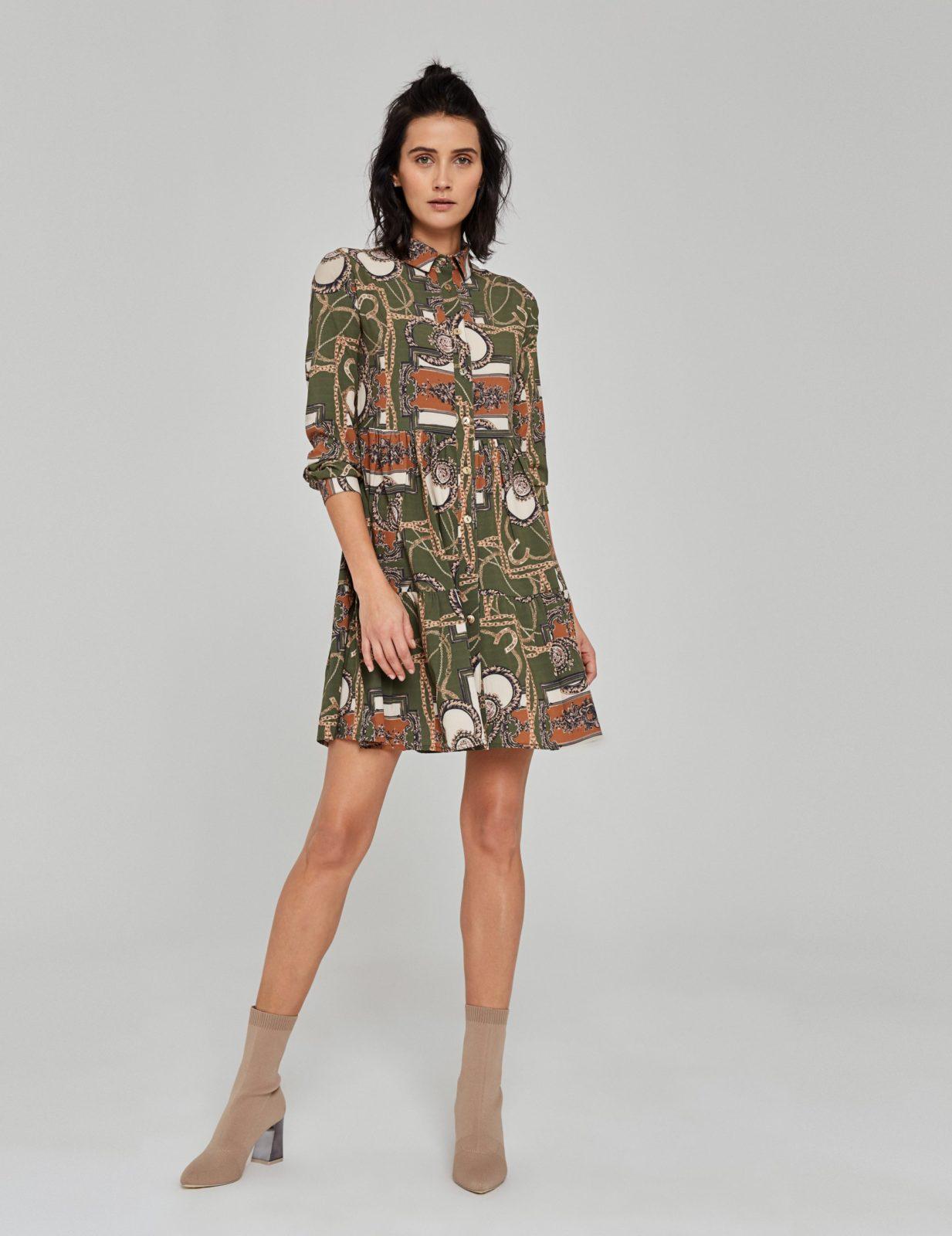 sukienka z nadrukiem w lancuchy 1