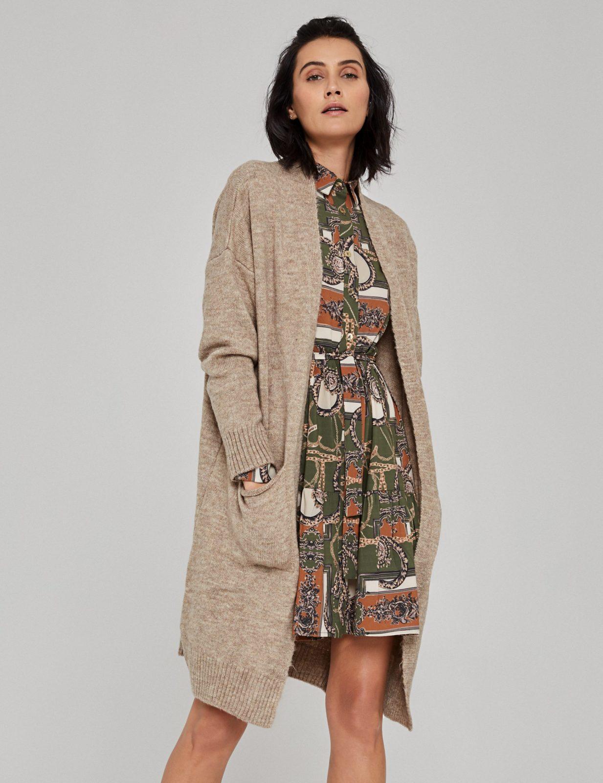 sukienka z nadrukiem w lancuchy 2