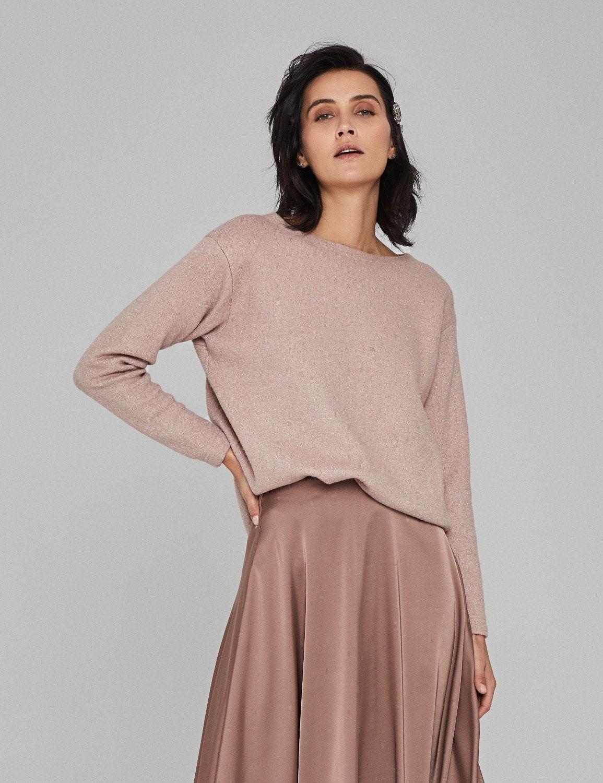 sweter z okraglym dekoltem 01