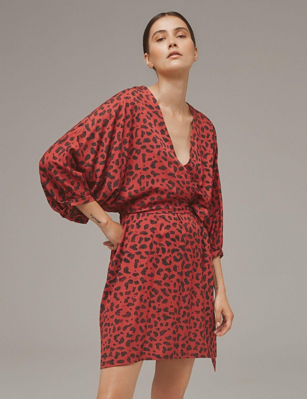 sukienka_kimonowa_z_nadrukiem_w_zwierzecy_desen-01
